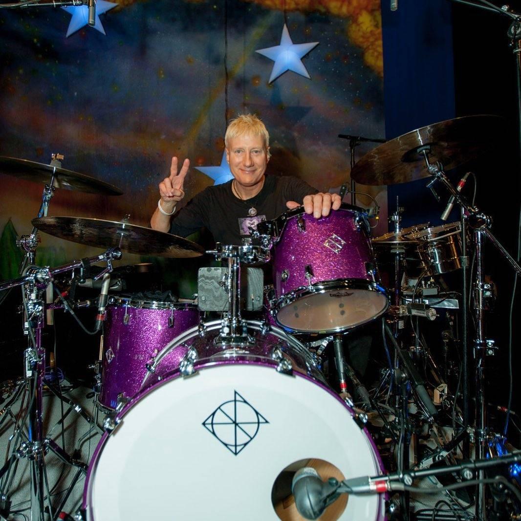 Gregg Bissonette (Ringo Starr)